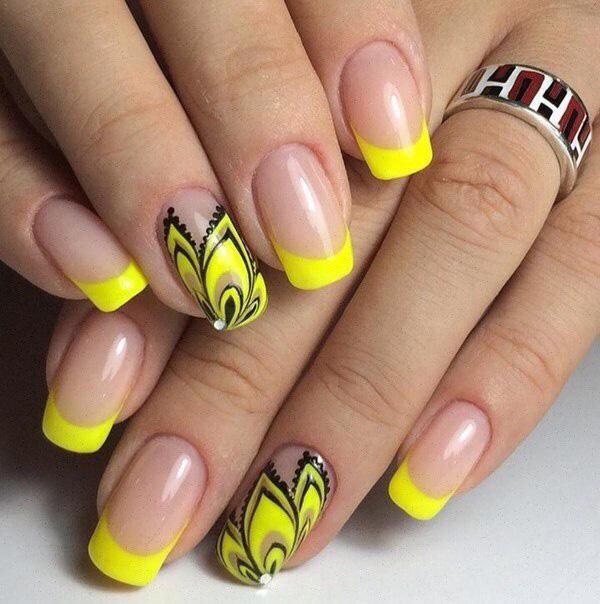 Mẫu nail màu vàng cá tính 01