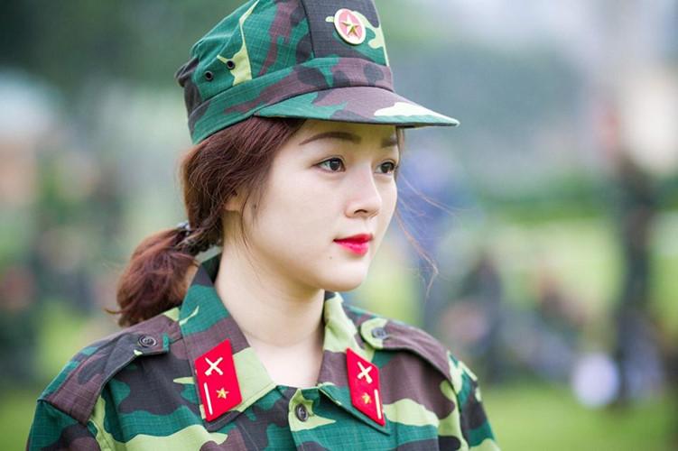 Hình ảnh nữ công an xinh đẹp 022