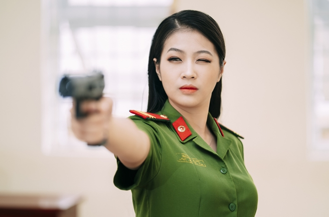 Hình ảnh nữ công an xinh đẹp 05