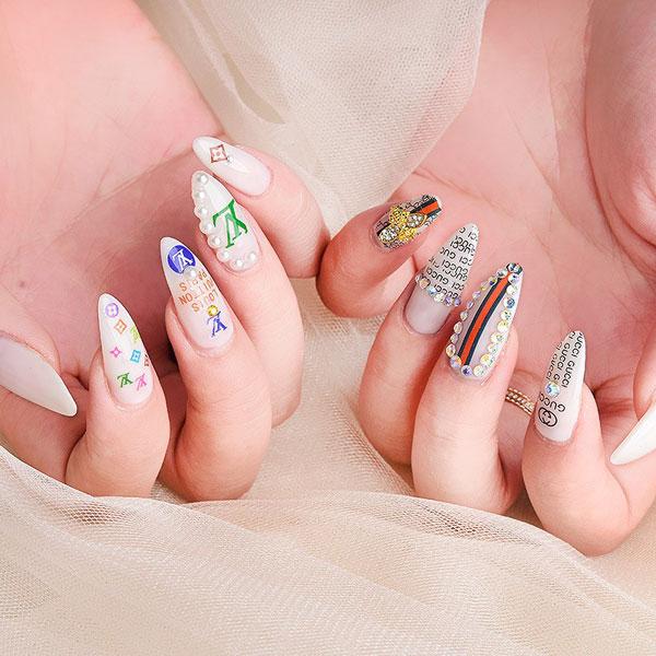 mẫu nail gucci đẹp sang chảnh 011