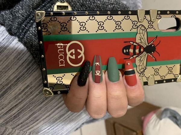 mẫu nail gucci đẹp sang chảnh 022