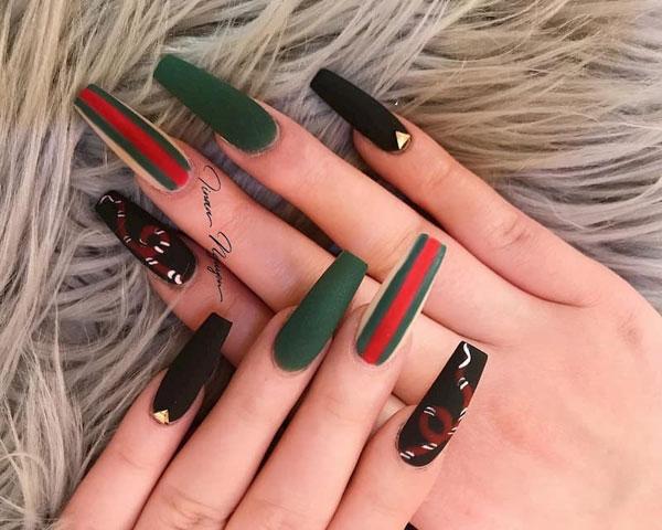 mẫu nail gucci đẹp sang chảnh 03