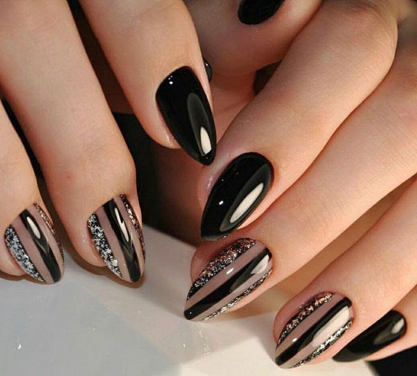 Mẫu nail màu đen bóng 01