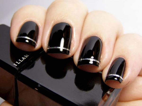 Mẫu nail màu đen bóng 02