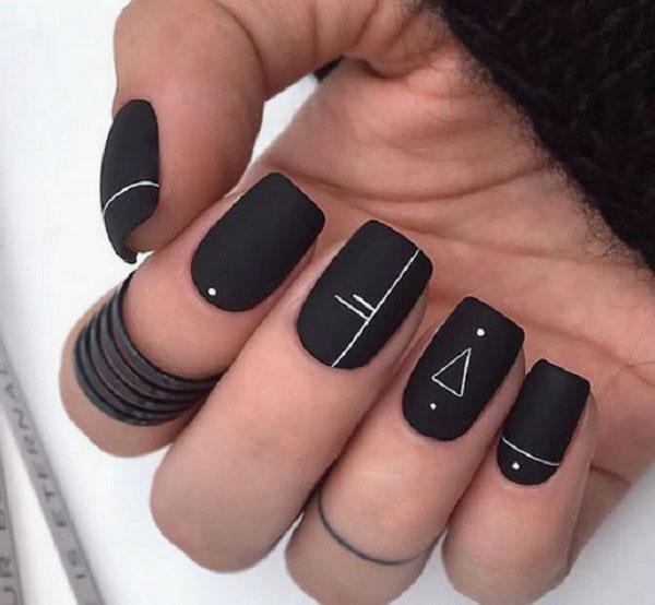 Mẫu nail màu đen nhám 01